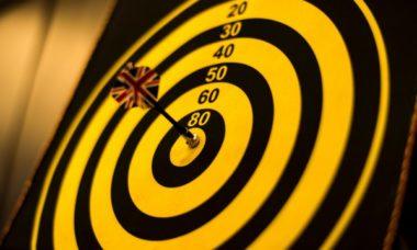 dart and score